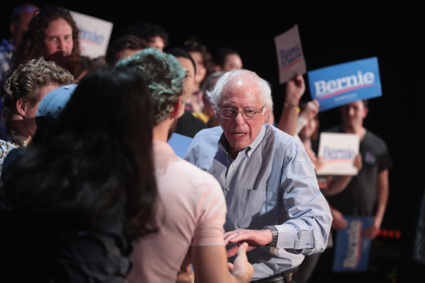 Bernie Sanders Strategy: Reaching Out to Trump Voters