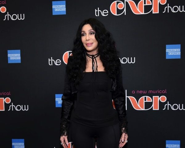 Cher Calls Trump 'Ignorant Thug' With 'Lizard Brain'