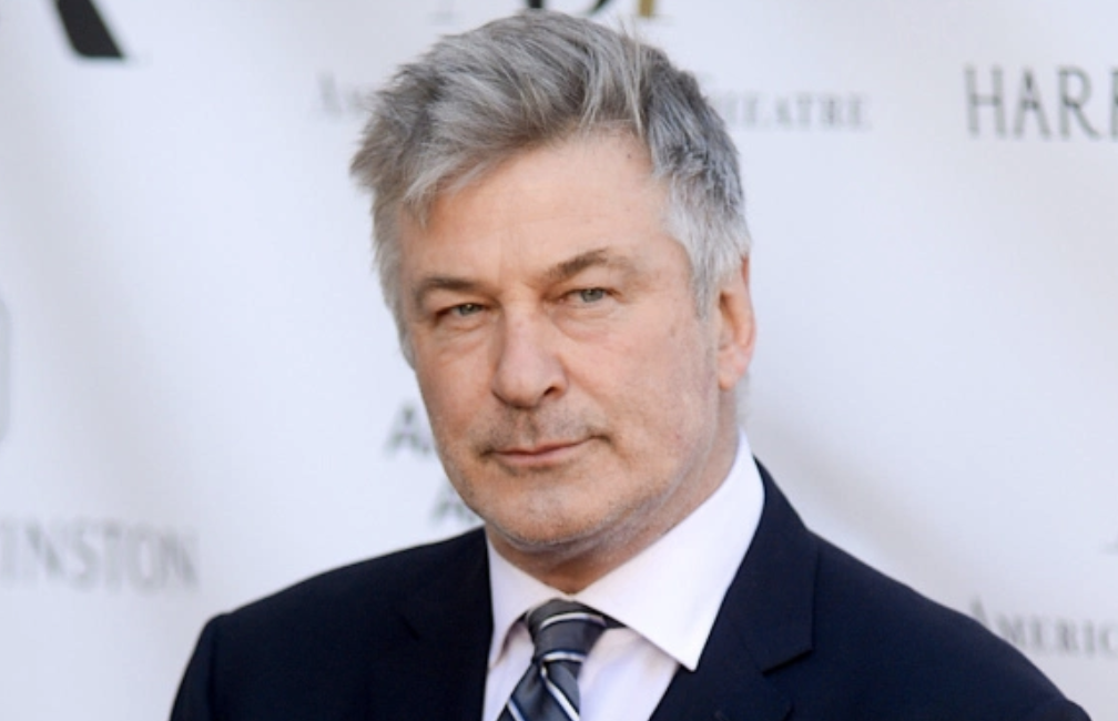 "Alec Baldwin Flirts With Presidential Run, Says Beating Trump Would Be ""So Easy"""