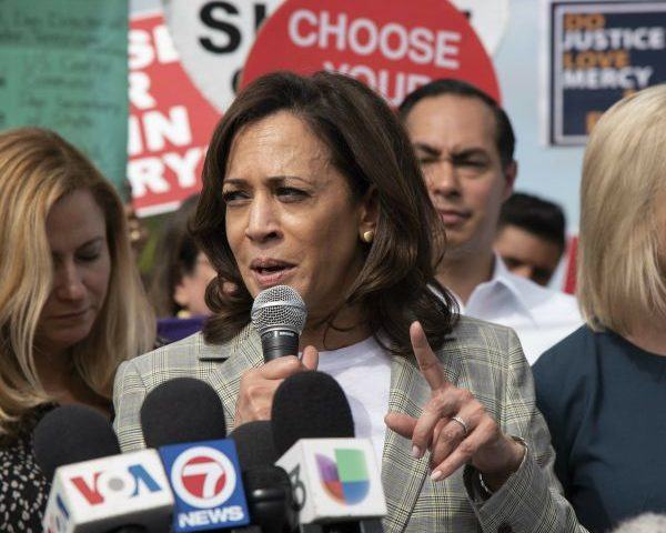 Harris Calls Trump 'Predator' During Campaign Event in Iowa