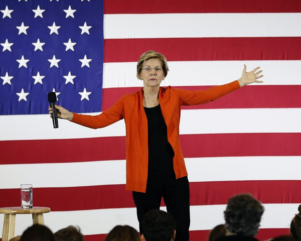 Elizabeth Warren Would Reverse Military's Transgender Ban on 'First Day'