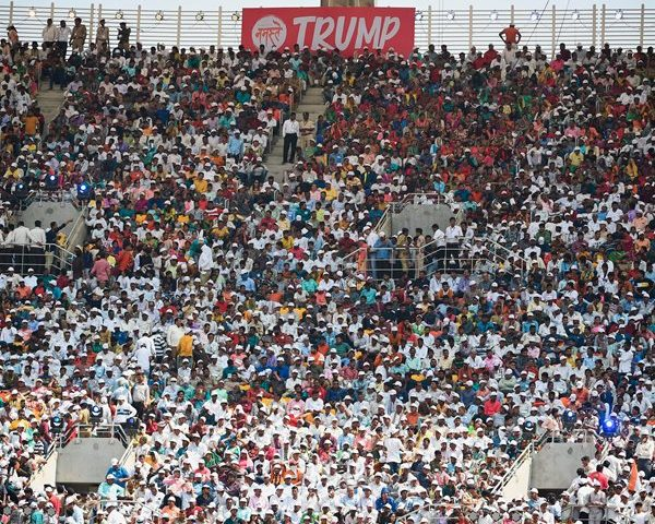 100,000 Indians Greet President in 'Namaste Trump' Rally