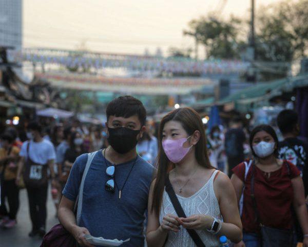 American Dies of Coronavirus in China; Britons Infected at French Ski Resort