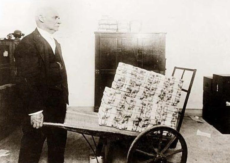 Peter Schiff: Hyperinflation Is Now The Most Probable Scenario